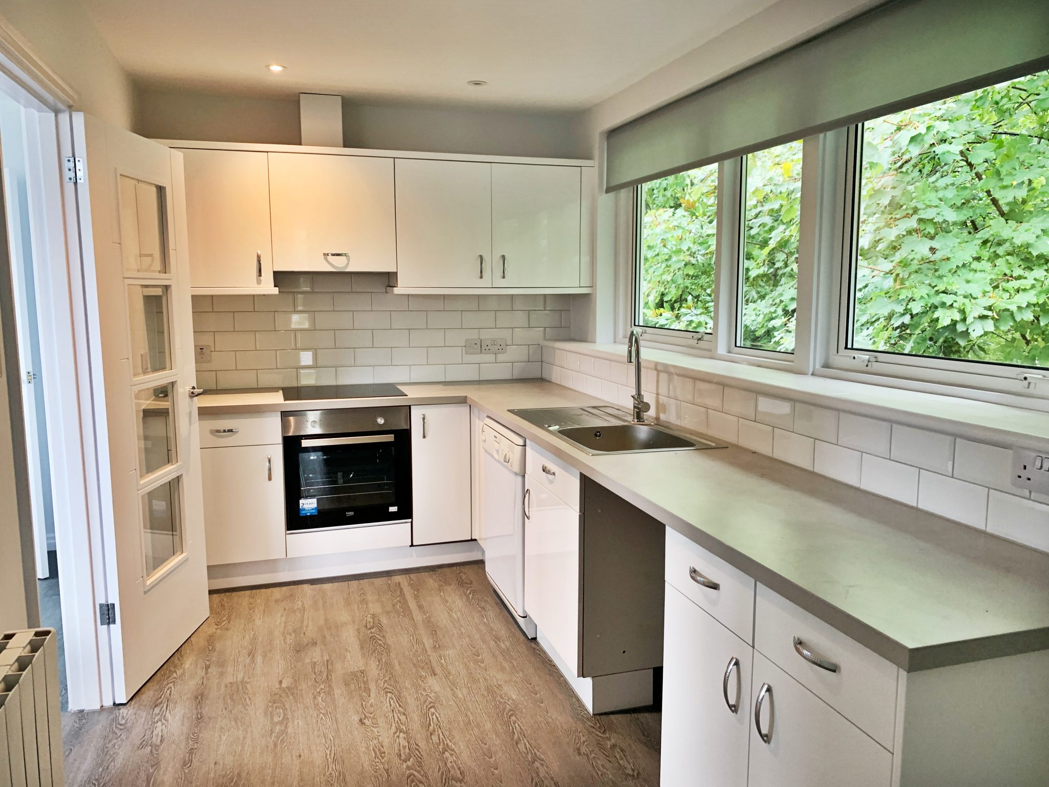 Completely Renovated 2 Bedroom Apartment with Outside Space