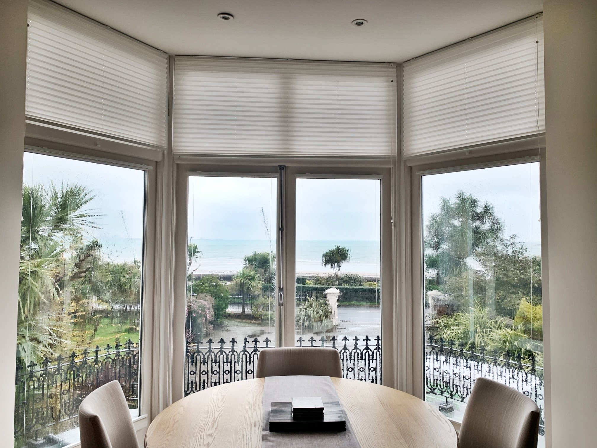 Non Qualified, Short Let, 2 Bedroom Apartment Beaumont with Sea Views & Parking