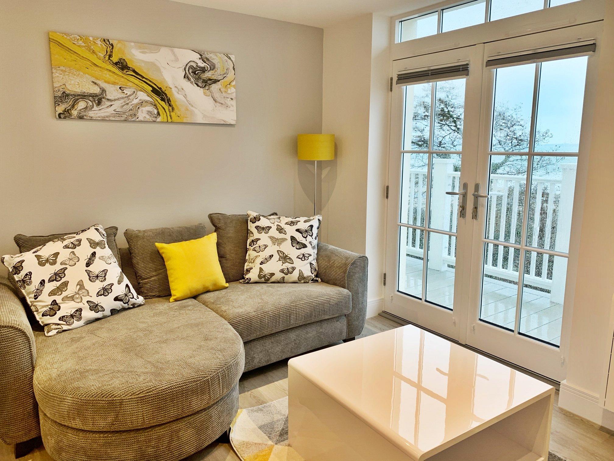 All Residential Status, Studios, 1 & 2 Bedroom Apartments