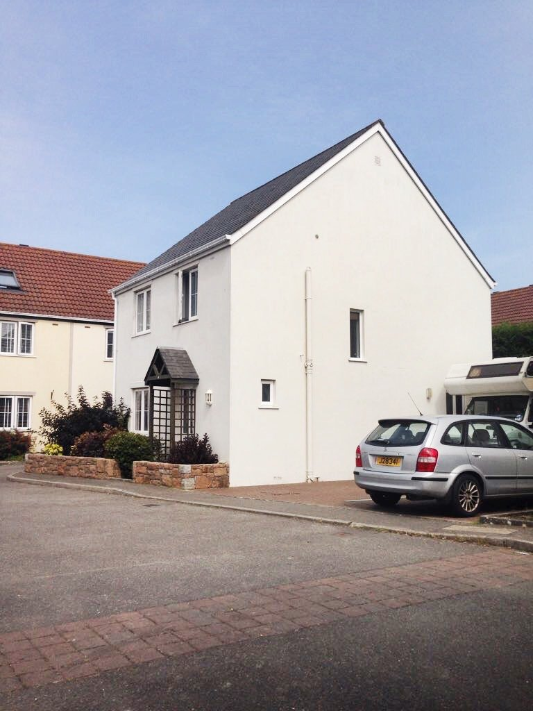 Ideal 3 Bedroom Family Home in the West!