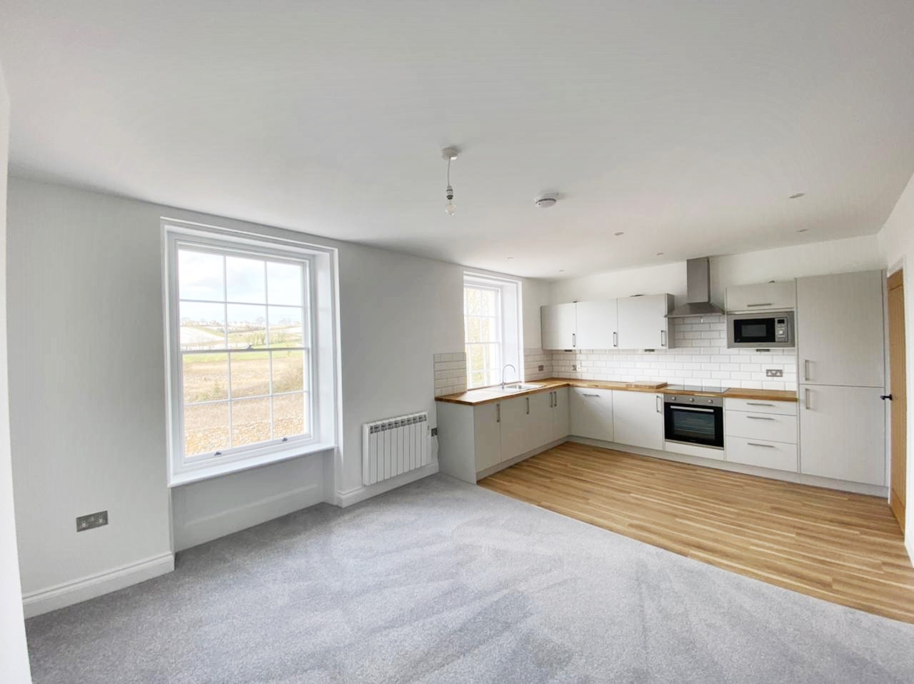 Gorgeous Duplex Apartment, Completely Renovated Throughout, Parking & Garden